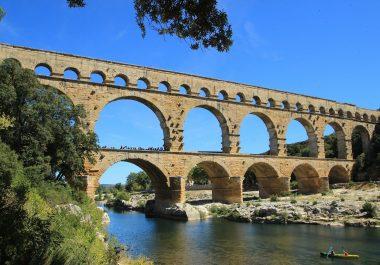 Assistance pour l'élaboration d'un livre blanc du tourisme sur le territoire du Pont du Gard